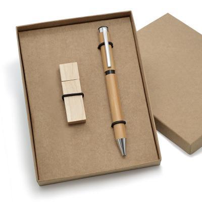 Redd Promocional - Kit ecológico promocional eficaz no combate à poluição. Contém 1 Pen drive 8GB * 1 Caneta esferográfica feita de bambu, acondicionados em uma embalage...