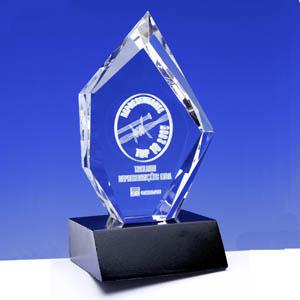Crystallium - Cristal Personalizado com gravação a laser interna tridimensional. Modelo: Prestige. A base de granito preto é opcional.
