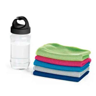 imagine-pack-brindes - Toalha para esporte. Toalha refrescante...quando molhada, permanece fria durante horas. Basta balançá-la para reativar sua frescura. Garrafa com mosqu...
