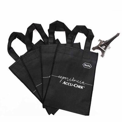 Imagine Pack Brindes - Mini sacola de TNT. Várias cores. Medida: 16 X 23 cm. Encante seus clientes, faça uma consulta! Mínimo: 300 unidades.