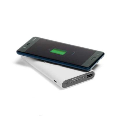 lamarca-brindes - Bateria portátil wireless. ABS. Acabamento emborrachado. Bateria de lítio. Capacidade: 11.000 mAh. Tempo de vida ≥ 500 ciclos. Com entrada/saída...