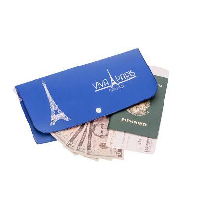 Opção Promocional - Porta voucher, confeccionado em PVC emborrachado, acabamento em solda eletrônica e gravação em silk.