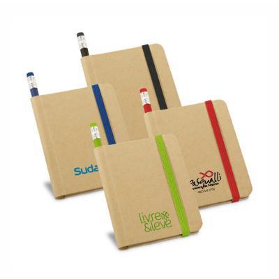 Redosul Brindes - Caderno personalizado com capa dura em papel kraft. Possui 70 folhas não pautadas em papel reciclado. Incluso lápis sem impressão.