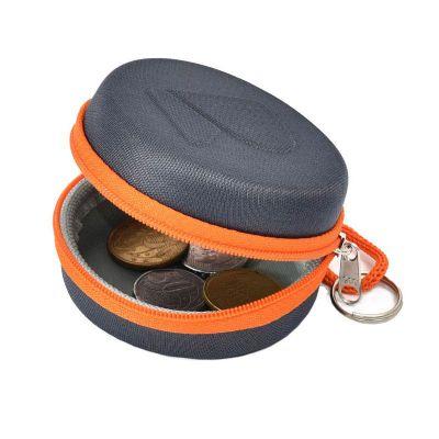 rampazzo-brindes-especiais - Porta moedas moldado em e.v.a com revestimento preto ou cinza, cordão, argola e gravação em alto relevo.